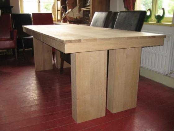 Eiken tafels, eikenhouten tafel