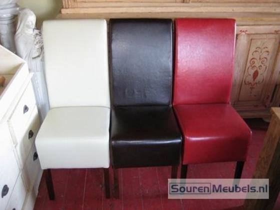 lederen stoelen met en zonder armleuning wit zwart rood bruin